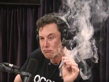 """イーロン・マスク「私達はシミュレーションの中で生きている」! 大麻を吸引しながら断言、 深遠なる""""真意""""を徹底解説!"""