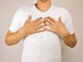 【速報】「男性も授乳できるようになるキット」構想が発表される! 父乳育児がイクメンの新基準に…乳首の刺激でピュー