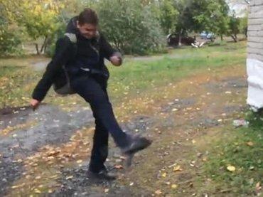 【閲覧注意】じわじわハトを殺すサイコパス少年! サッカーのようにシュート、グリグリ踏みにじり… 激ヤバ動物虐待が炎上=ロシア