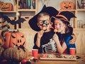 【心理テスト】好きなハロウィンのお菓子を選んでわかる「あなたの本当の人望」が当たる! 実は嫌われている… Love Me Doが指摘!