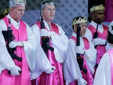 【閲覧注意】「この上なく危険な武装カルト教団」教祖の一声で銃を乱射する可能性! 脱走者は公開処刑…サ●クチ●アリ教会