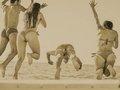 奇習! スッポンポンの老若男女が当たり前のように…! 伊豆で習慣的に行われていた全裸水泳の実態
