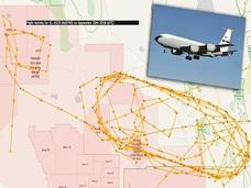 エリア51上空で謎の航空機が旋回飛行!