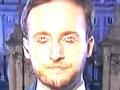 """【シェイプシフト映像】TV生中継で男性レポーターの正体は「レプティリアン」と発覚! 顔が完全変異、恐怖の""""ダブルアイ""""にネット騒然!"""