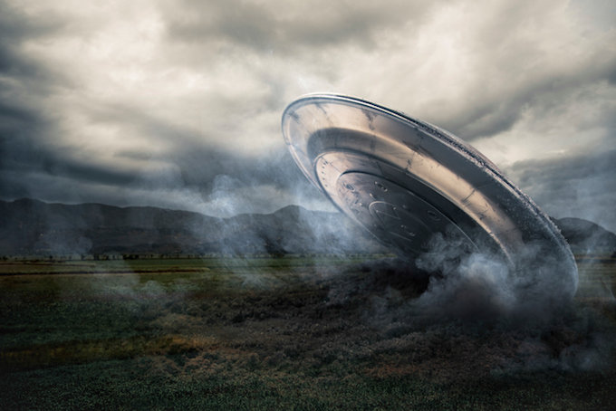 グーグルマップに写り込んだ「宇宙人の秘密基地やUFO9選」! どう見ても空飛円盤、葉巻型UFO墜落跡…!の画像1