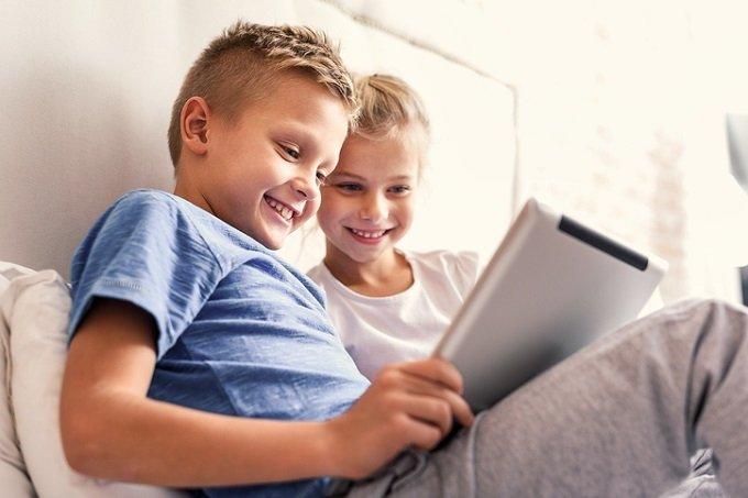 「4歳の幼児にインターネットを禁止することは児童虐待」英学者が主張して話題! 教育の常識が覆る!の画像1
