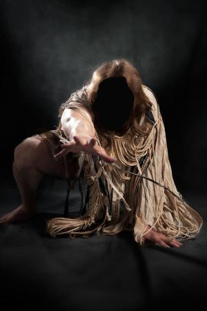 奇習! 「サンカの種」を求めて野獣のセックスを繰り広げる寒村の娘たちの画像1