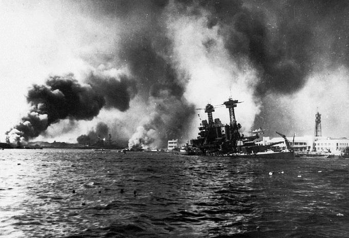 1024px-USS_California_sinking-Pearl_Harbor.jpg