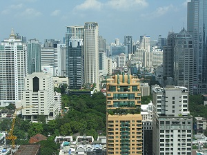 1280px-Bangkok_central_district.JPG
