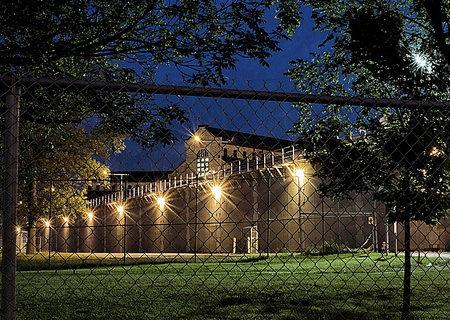 1606_inmates_01.jpg