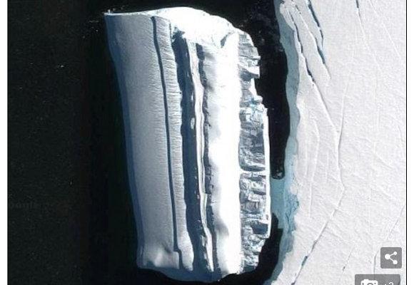 南極大陸の「氷山に擬態したUFO船」がグーグルアースで発見される?地底世界住民の乗り物か!?の画像1