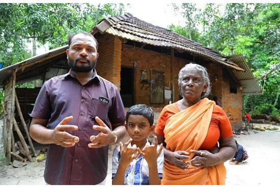 【奇病】インドに住む呪われた一家の実態 ー 90年間続く合指症ファミリーの不思議な信念の画像1