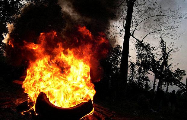 1708_burnedneckless_1.jpg