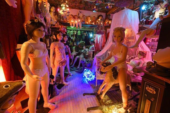 「すべての始まりは、17年前にマネキンを拾ったこと」大量のラブドールが佇む狂った楽園「八潮秘宝館」の館長を取材!の画像5