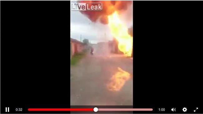 【閲覧注意】ガレージ大爆発に巻き込まれた男がヤバすぎる! 黒焦げになってもピンピンしている超絶「ダイ・ハード」親父=ロシアの画像1