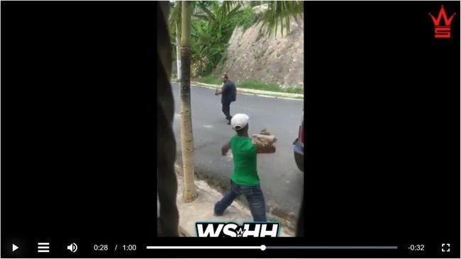 【閲覧注意】ナイフ男の後頭部に石を投げつけて一発KO! テロリストも利用する投石の威力がハンパない!の画像1