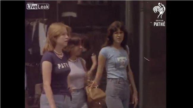 【閲覧注意】並のAV作品よりソソられる「1976年のロンドン熱波記録映像」! 自然な巨乳の谷間、あらわな美尻…の画像1