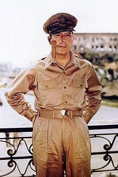 240px-Douglas_MacArthur_smoking_his_corncob_pipe.jpg