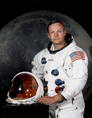 640px-Neil_Armstrong_pose.jpg