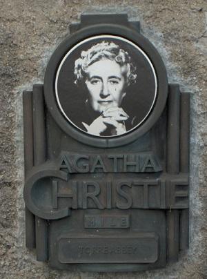 Agatha_Christie_plaque_-Torre_Abbey.jpg