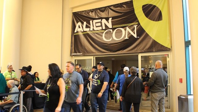 AlienCon_04.jpg