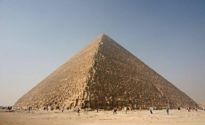 ピラミッドは「巨人」によって建造された?古代エジプト人はリフォームしただけの可能性?の画像1