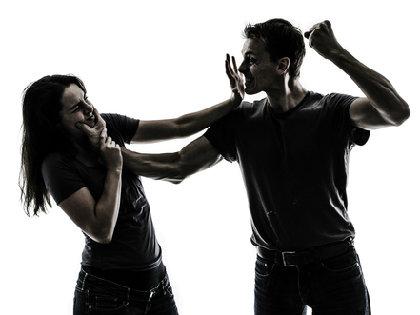 彼氏のいる女性の44%が「デートDV」に!中高生では男子が被害者?急増する非交際率との関係は?の画像1