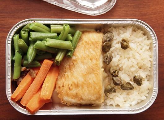 機内食がマズい本当の理由が明らかに!! 航空会社を責めるのは酷!?の画像1
