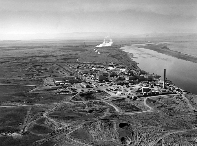 Hanford_N_Reactor_adjusted01.jpg