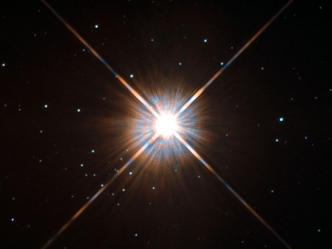New_shot_of_Proxima_Centauri,_our_nearest_neighbour.jpg
