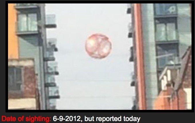 UFO_in_Manchester0102.jpg