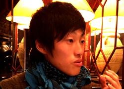 YOSHIDA-HANASU.jpg