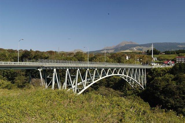「ここなら絶対に死ねる!」熊本地震で崩落した阿蘇大橋が投身自殺の名所だった理由が怖すぎる!の画像1
