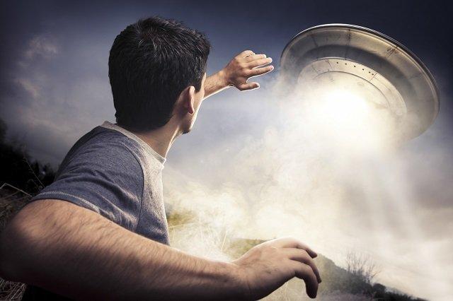 【感動】宇宙人が人類に送った5つのメッセージが意識高すぎる! 元空軍パイロットが受信「近いうちに姿を現す」「ともに進化しよう」の画像1
