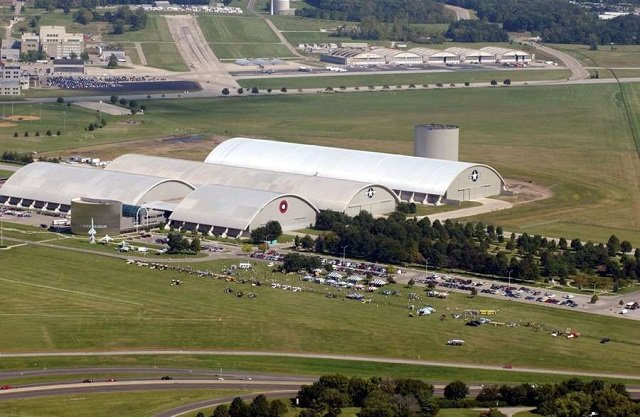 「宇宙人の死体安置所を見た」元米空軍職員が決死の暴露! ライト・パターソン空軍基地に隠された極秘地下施設の謎の画像1