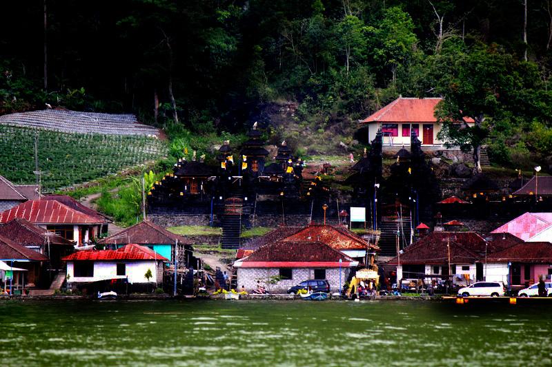 神秘なる人骨 ー 生と死が共存するバリ島最後の秘境「風葬の村」トルニャンの画像1