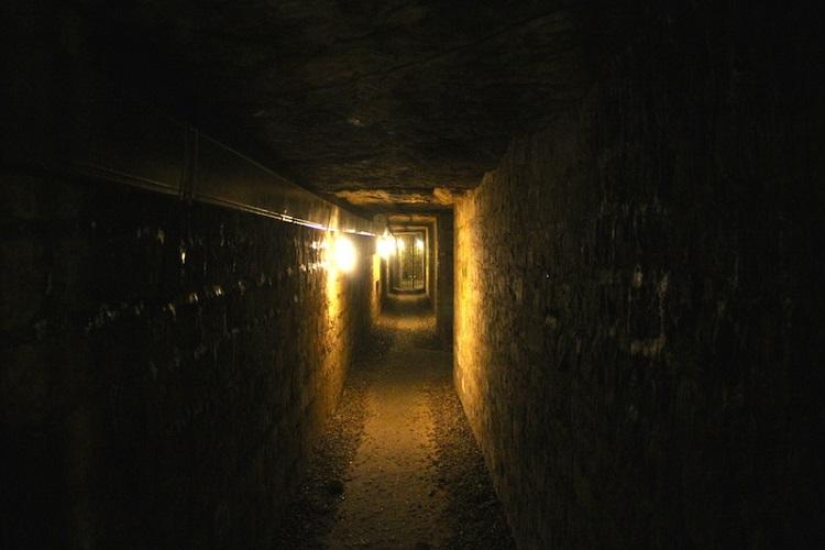 600万体の骸骨が眠るパリの地下 ― カタコンブ・ド・パリの「人骨の壁」の画像1