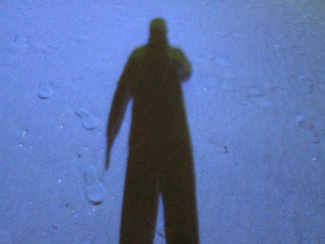 【鉄道怪談】繰り返すなという警告か?!日比谷線のホームに出現する黒い影の画像2