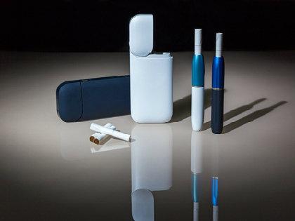 「電子タバコ」安全神話が崩壊? 「IQOS(アイコス)」に健康被害の<イエローカード>!?の画像1