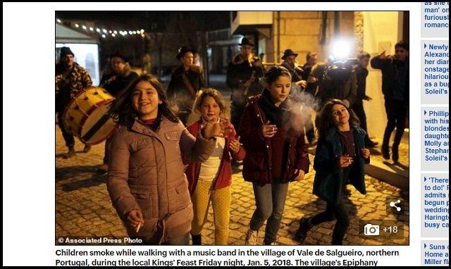 5才児でも喫煙が奨励されるポルトガルの村が超話題! 母親「すぐ煙を吐き出してるから問題ない」、ルーツ不詳の異教の儀式かの画像4