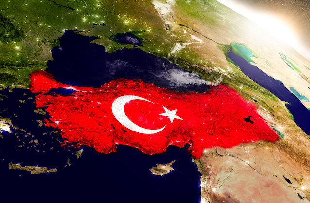 トルコ大統領が号泣幼女に国家のために殉死すべしと教唆! 狂気の戦争プロパガンダに世界中がブチギレの画像1