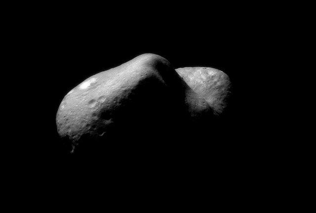 【衝撃】小惑星エロスに古代の掘削機が設置されていた! NASA公式写真で発覚、研究者興奮「宇宙戦争の最前線基地である可能性」の画像1