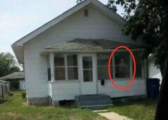 hauntedindianahouse2.JPG