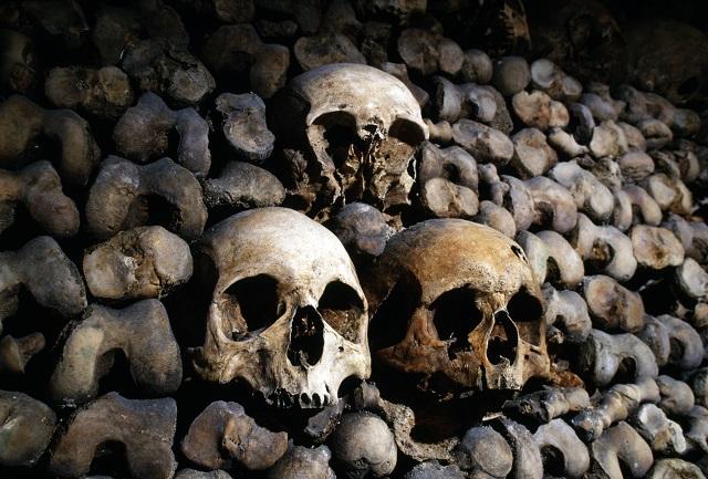 【閲覧注意】アフリカに残る奇習「人骨スープ供養」を体験! 死者の骨からダシを取り、肉片も…の画像1