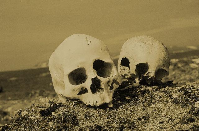 奇習! 肉親の死から1年後、骨を掘り返してガブリ…! 「自分の中に故人が蘇る」彼岸の伝統=東日本の画像2