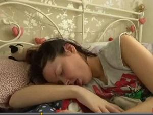 眠り姫という病 ― 1日22時間眠る女性、夢と現実の区別つかずの画像1