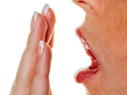 花粉症で口臭がひどくなる! 何気ない花粉症対策が逆に口臭の原因にの画像1