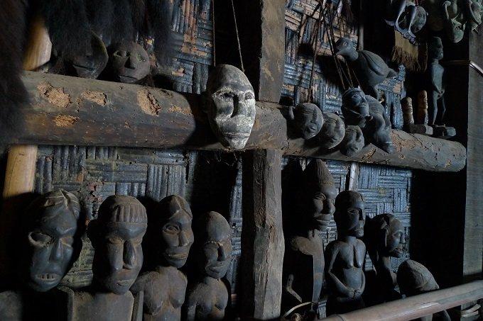 【画像多数】リアル首狩族「ナガ」の末裔が住む村に潜入! 国家権力を超越した王が持つ人歯ネックレスがヤバイの画像1