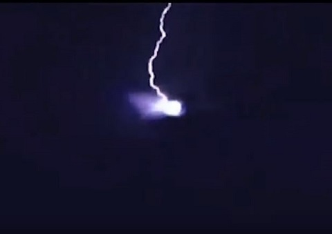 lightningufo1.JPG