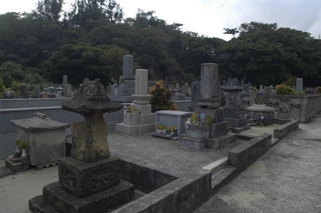 鹿児島の死者が土葬された「溶けゆく墓」の怪異! ボロボロの着物を着た老婆が現れ…!の画像1